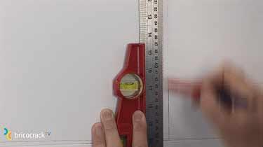 Instalar placas de vinilo para paredes