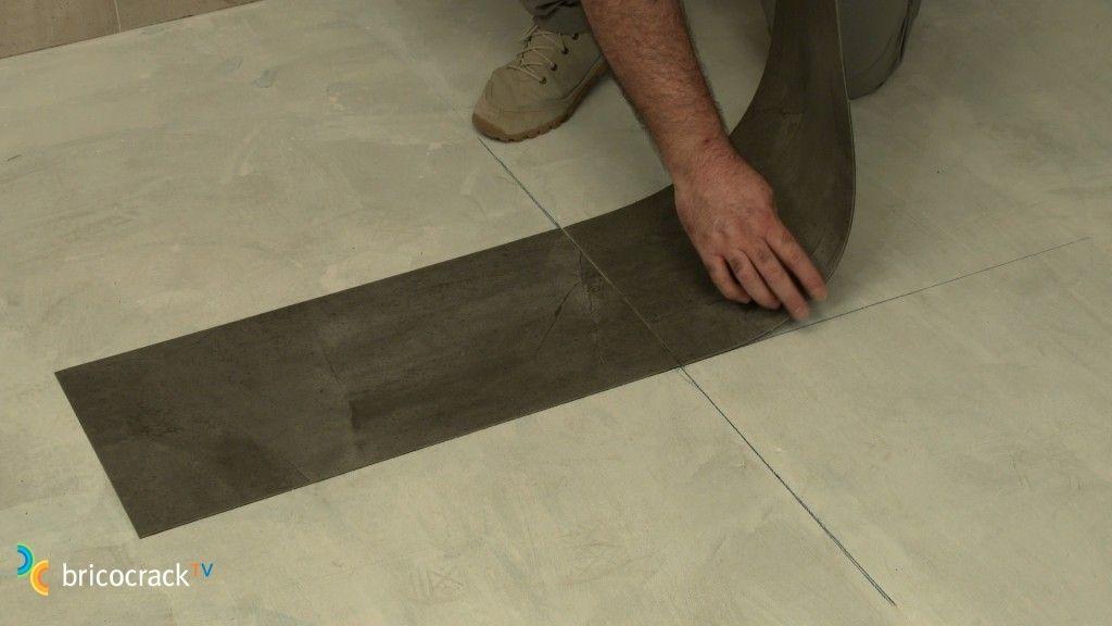 Instalar un suelo de losetas de vinilo bricocrack - Vinilos suelo cocina ...