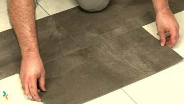 Instalar losetas de vinilo en suelos 6