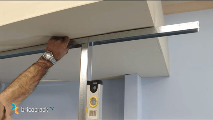 Construir-tabiques-de-yeso-laminado-1_13_BricocrackTV