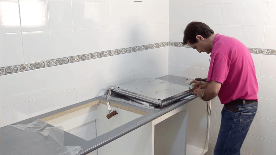 Instalar-placa-cocina-y-horno_5_BricocrackTV-