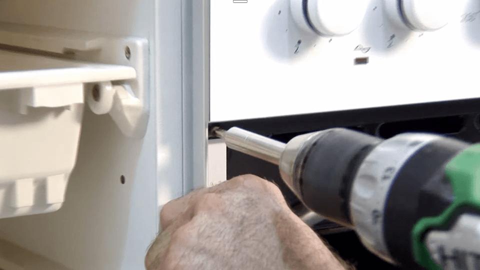 Instalar-placa-cocina-y-horno_9_BricocrackTV-