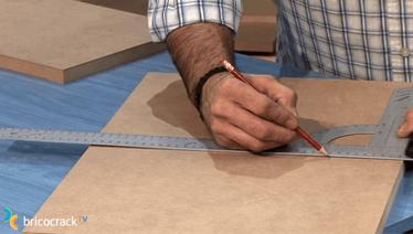 bricolaje madera poner soportes invisibles