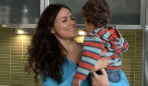In memoriam Marina Larriera _ con su hijo