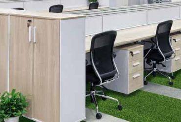 Cómo pegar el césped artificial en suelos y paredes