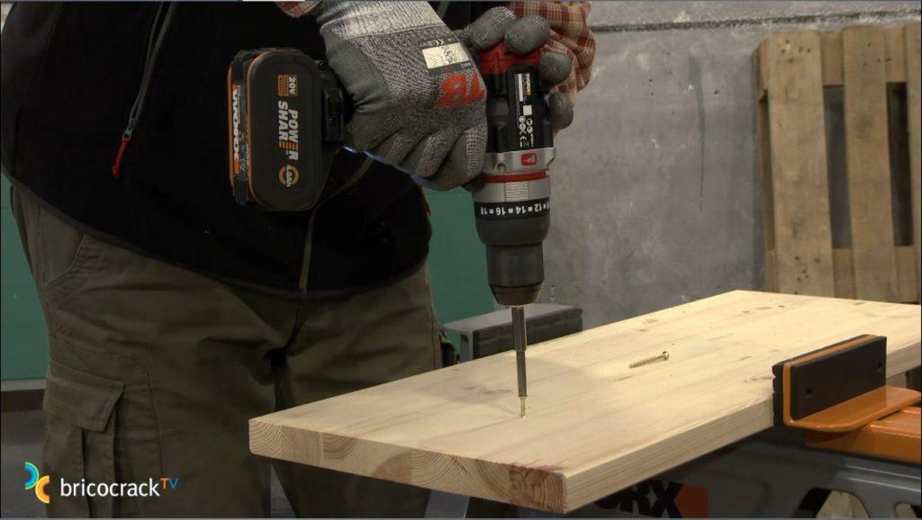 taladrando madera