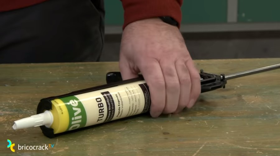 adhesivos hibridos_pistola_bricocrack