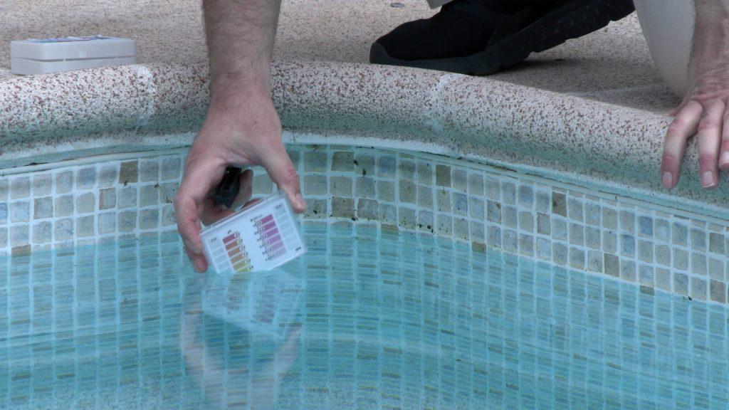 desinfectar piscina _ analizador