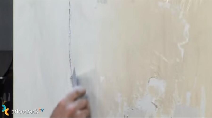 preparar paredes pintar_ usar espátula